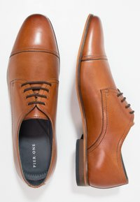 Pier One - Veterschoenen - cognac - 1