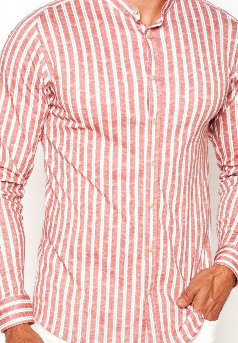 DESOTO - Shirt - red  linen stripe