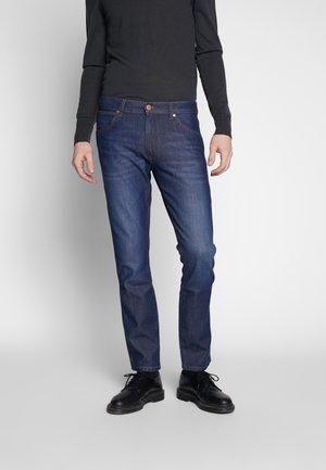LARSTON - Slim fit jeans - sphere blue