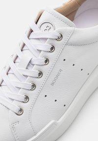 Bogner - HOLLYWOOD  - Sneakersy niskie - white/platinum - 6