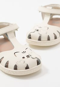 Camper - TWINS - Sandals - light beige - 6