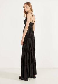 Bershka - MIT TRÄGERN - Maxi dress - black - 2