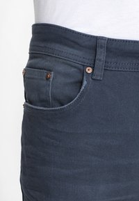 Pier One - COLOURED BARON - Slim fit jeans - dark blue - 5