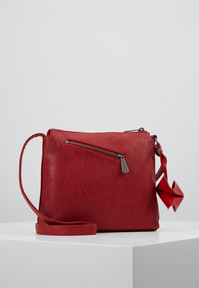 Käsilaukku - red