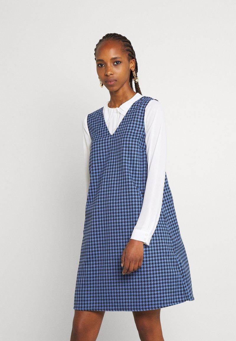 Nümph - NUCAMERA DRESS - Vestito estivo - ultramarine