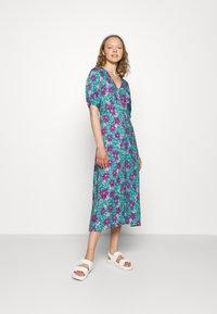 Closet - VNECK DRESS - Day dress - turquoise - 1