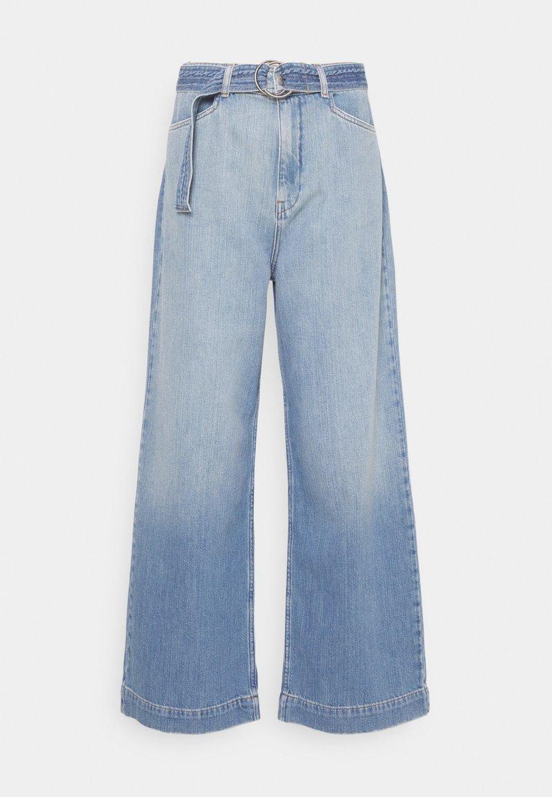 Nümph - NUCAROLINA - Flared Jeans - kight blue denim