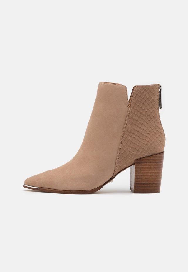 JANEECE FLEX - Ankle boot - beige