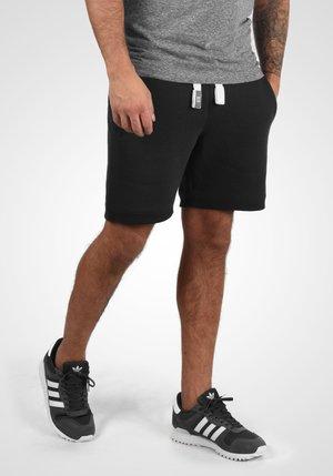BENN - Shorts - black