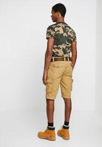 Schott - BATTLE - Shorts - beige - 2