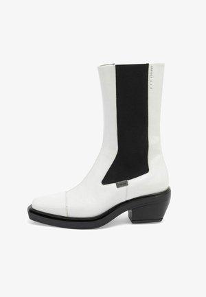 DONNA - Boots - white