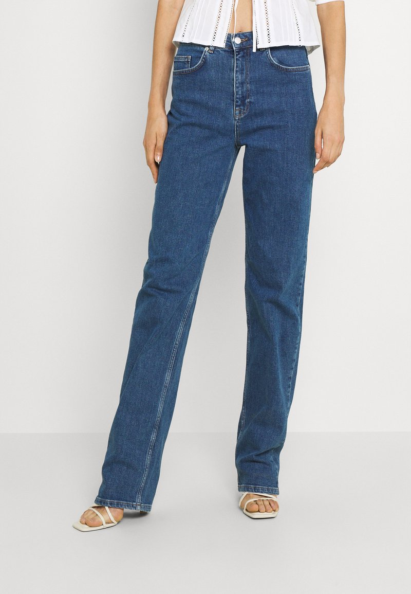 Selected Femme Tall - SLFBLAIR STRAIGHT LONG - Relaxed fit jeans - dark blue denim