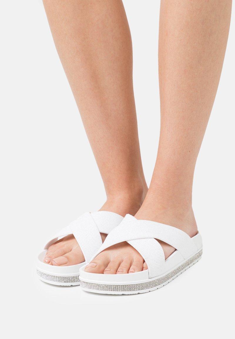 Laura Biagiotti - Pantofle - white