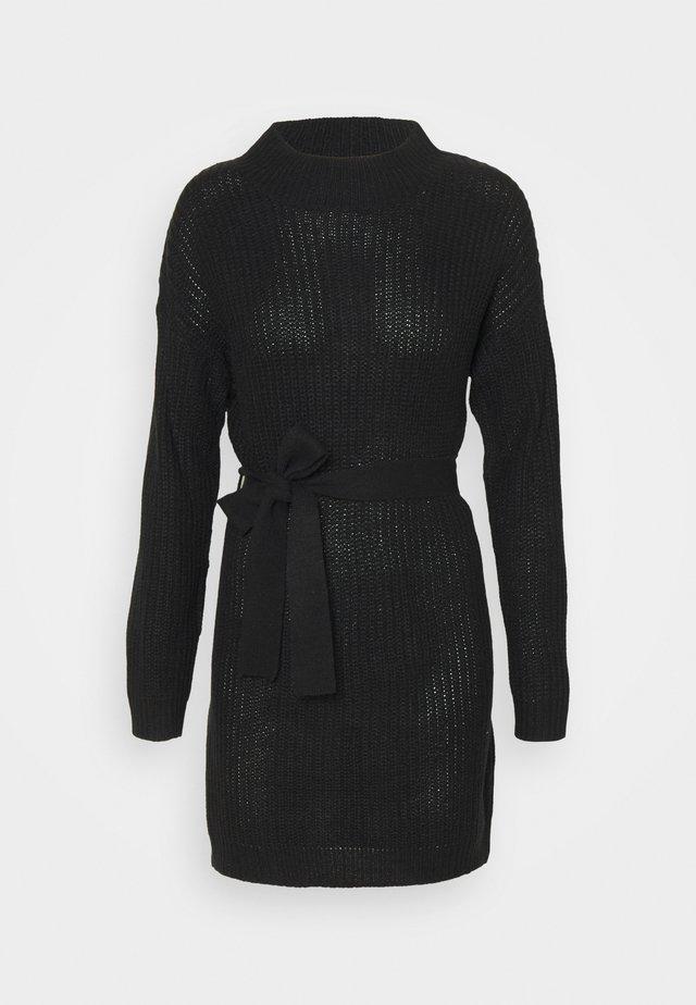 HIGH NECK BASIC DRESS WITH BELT - Jumper dress - black