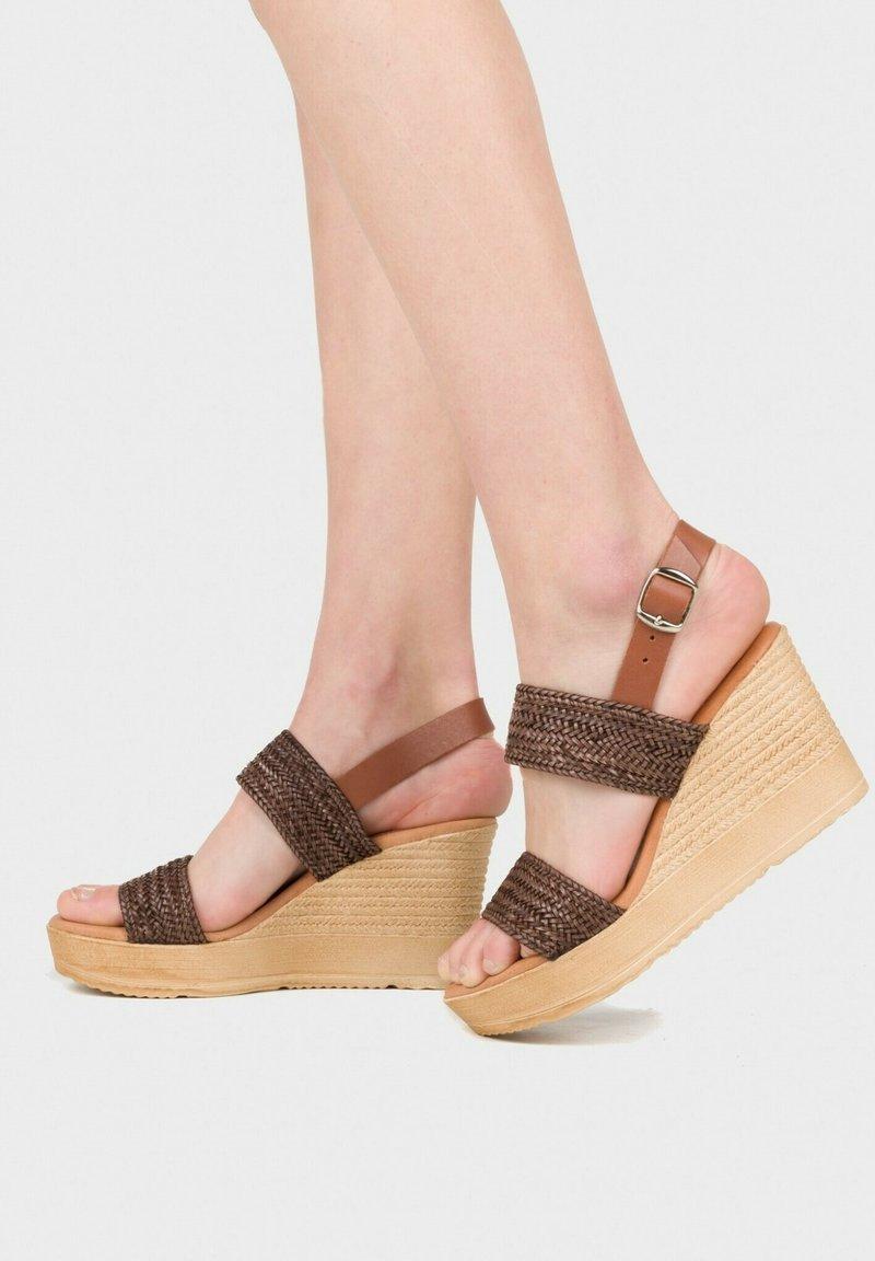 Eva Lopez - Platform sandals - marron