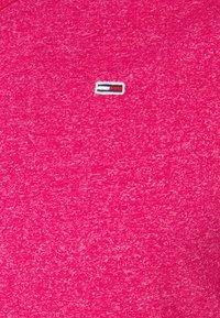 Tommy Jeans - SLIM JASPE V NECK - T-shirt - bas - pink - 5
