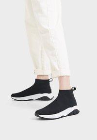 Bershka - Sneakers laag - black - 0