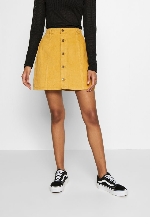 LAPS AROUND THE SUN MINI SKIRT - Jupe trapèze - golden yellow