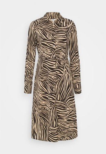 OBJJOHANNA DRESS - Robe chemise - sandshell