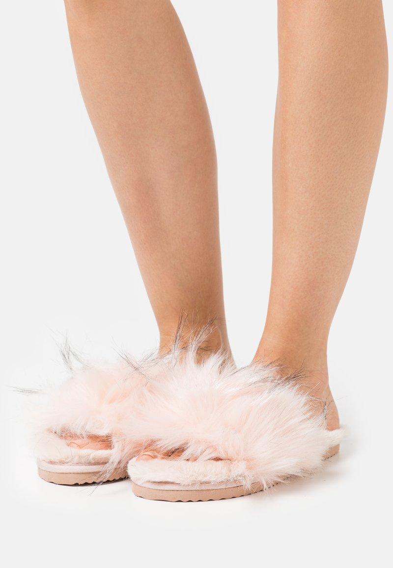 flip*flop - HAIRY POOL - Domácí obuv - rose
