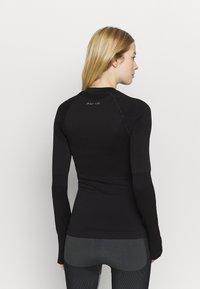 NU-IN - COMPRESSION  - Bluzka z długim rękawem - black - 2