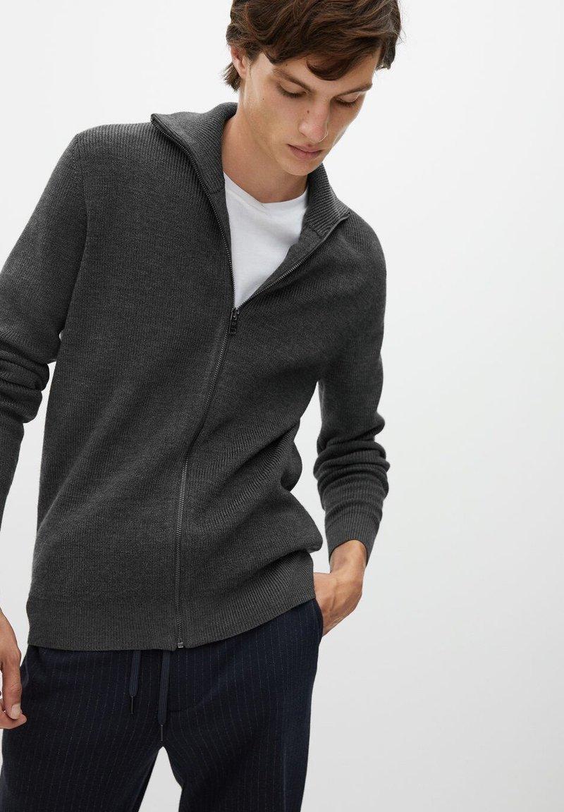 Mango - Zip-up hoodie - grey