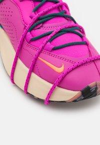 Nike Sportswear - AIR MAX VIVA - Trainers - hyper magenta/black/turbo green/hyper orange/oatmeal - 4
