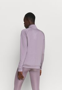 Nike Performance - RUN MIDLAYER - Tekninen urheilupaita - purple smoke/black - 2