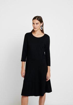 KLEID UNGEFÜTTERT - Žerzejové šaty - black