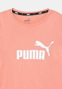Puma - LOGO TEE UNISEX - Triko spotiskem - apricot blush - 2