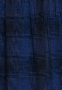 Lee Plus - ESSENTIAL BLOUSE - Bluzka - washed blue - 2
