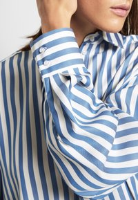 House of Dagmar - GINA - Button-down blouse - blue - 7