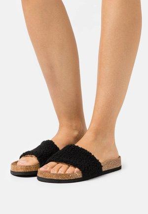 ONLMAXI - Pantofle - black