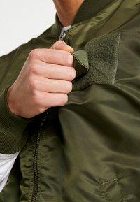 Alpha Industries - BLOUSON CUSTOM - Bomberjacks - dark green - 5