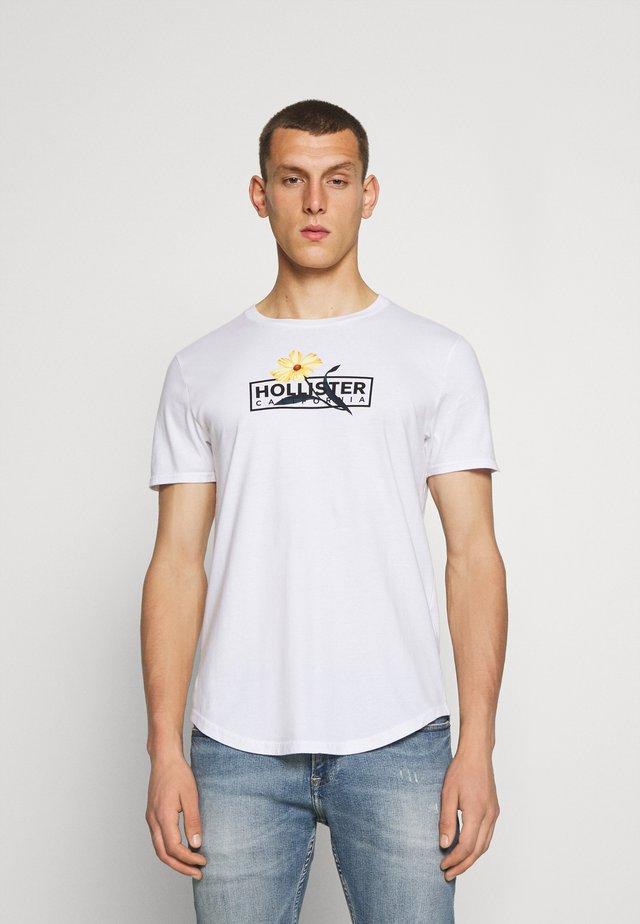 FLORAL PRINT LOGO  - Camiseta estampada - white