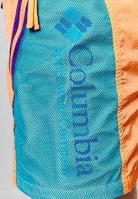 Columbia - RIPTIDE™ SHORT - Pantalones montañeros cortos - brigt nectar - 5