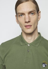 PS Paul Smith - MENS MONKEY - Poloshirt - green - 3