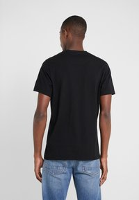 Barbour International - PANEL LOGO TEE - Print T-shirt - black - 2
