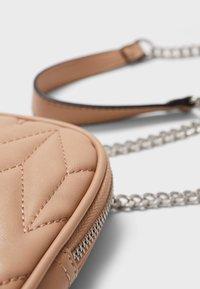 Stradivarius - Across body bag - pink - 4