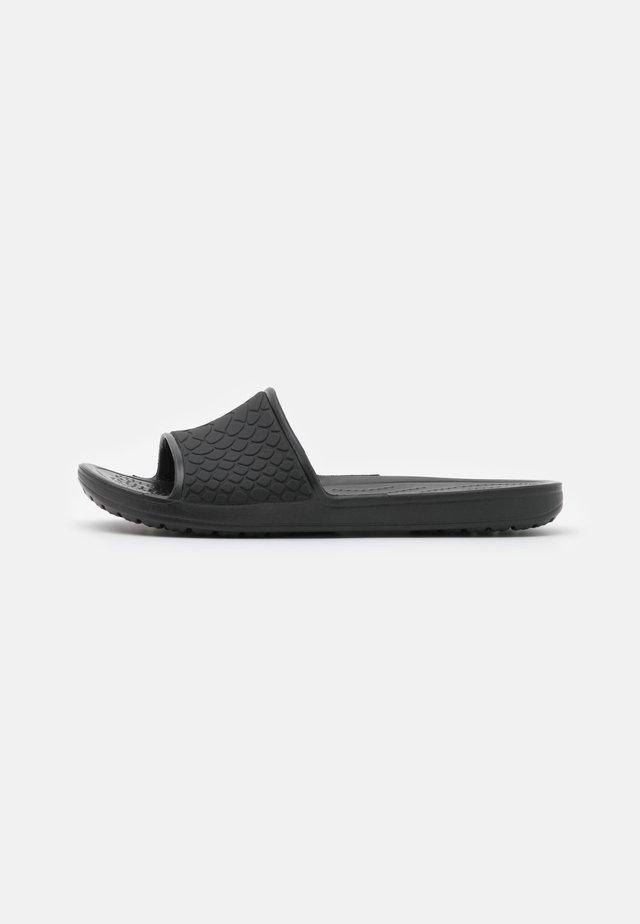 SLOANE SNAKE LOW SLIDE  - Pantofle - black