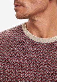 DeFacto - Stickad tröja - red - 4
