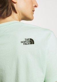 The North Face - CROP TEE - Print T-shirt - misty jade - 4