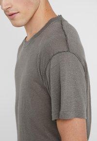 Iro - JURUS - Basic T-shirt - dark grey - 4