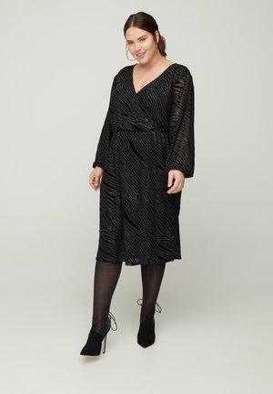 MIT GLITZER UND V-AUSSCHNITT - Day dress - black