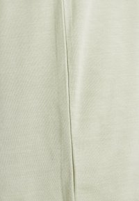 Vero Moda Tall - VMAVA PLAIN 2 PACK - Basic T-shirt - desert sage/cornsilk - 6
