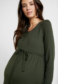 MAMALICIOUS - NURSING DRESS - Jersey dress - climbing ivy - 4