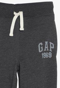 GAP - BOY SLIM BASIC  - Pantaloni sportivi - new charcoal grey - 3