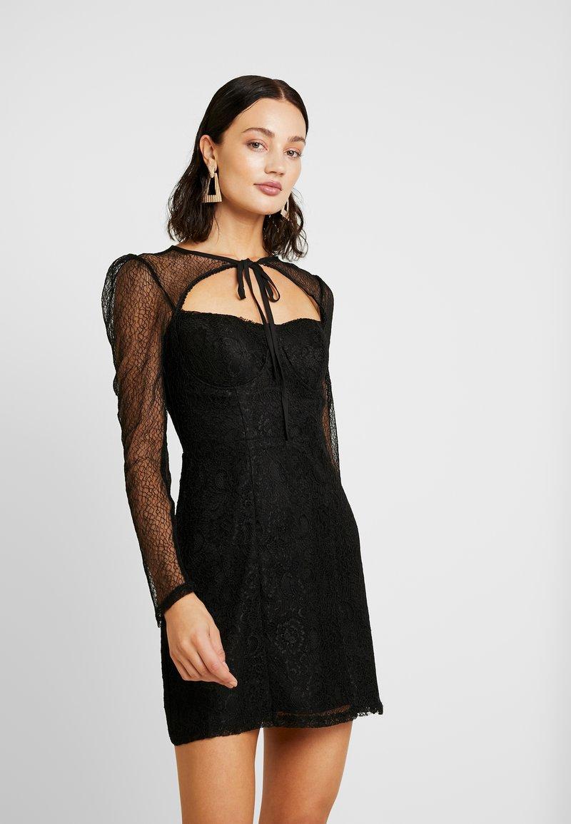 Fashion Union - CECILLE - Koktejlové šaty/ šaty na párty - black