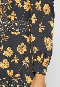 U Collection by Forever Unique - Długa sukienka - black /orange - 5