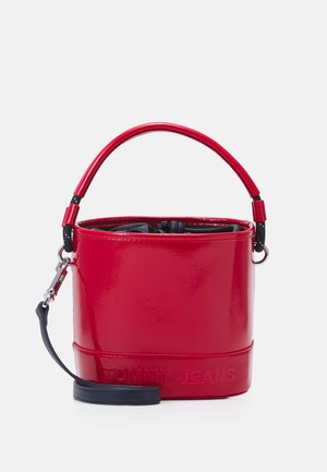 FEMME BUCKET BAG CRINKLE - Plånbok - red